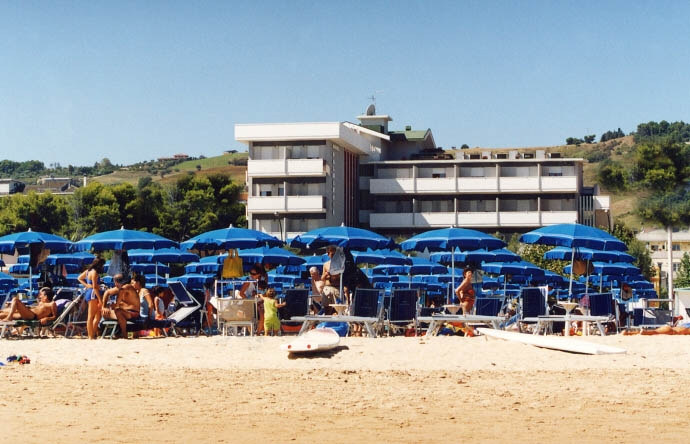 Hotel hotel palmarosa roseto degli abruzzi al mare d 39 abruzzo - Hotel giardino roseto degli abruzzi ...